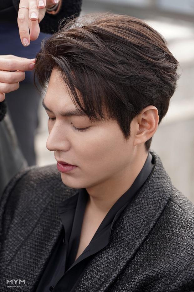 Quân vương bất diệt chưa lên sóng, Lee Min Ho đã khiến dân tình đảo điên với loạt ảnh hậu trường như tạp chí - Ảnh 2.