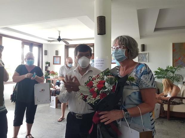 Du khách Ba Lan viết thư khen bánh mì Việt Nam sau 14 ngày cách ly: Cảm ơn đã quan tâm đến chúng tôi trong thời gian cực kỳ khó khăn của dịch COVID-19 - Ảnh 3.