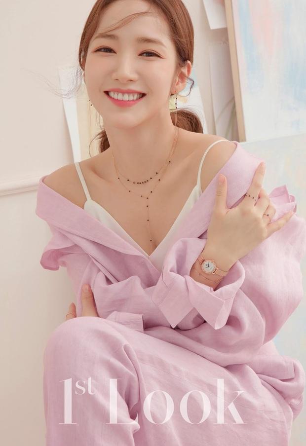 MXH lại dậy sóng trước bộ ảnh tạp chí mới của Park Min Young, hiếm lắm nữ hoàng dao kéo mới khoe body táo bạo thế này - Ảnh 5.