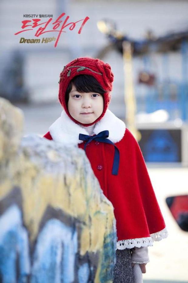 Biến Kbiz: Sao nhí Dream High liên tục ẩn ý chuyện đối xử bất công, bị Kim Sae Ron thay thế vị trí bên Kim Yohan (X1)? - Ảnh 8.