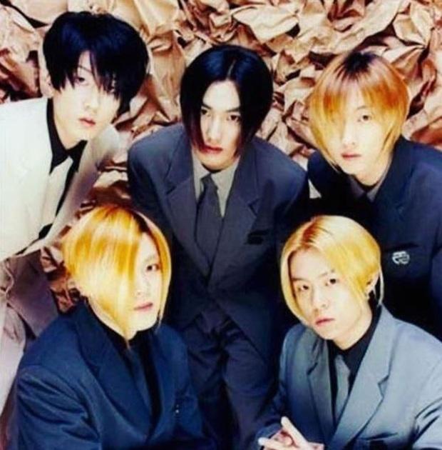 Netizen chọn 5 boygroup tiêu biểu của Kpop 20 năm trở lại: BTS lọt top thuyết phục, BIGBANG gây tranh cãi, bị đòi nhường vị trí cho EXO vì bão scandal? - Ảnh 1.