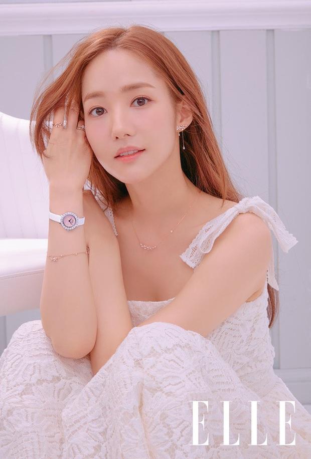 MXH lại dậy sóng trước bộ ảnh tạp chí mới của Park Min Young, hiếm lắm nữ hoàng dao kéo mới khoe body táo bạo thế này - Ảnh 6.