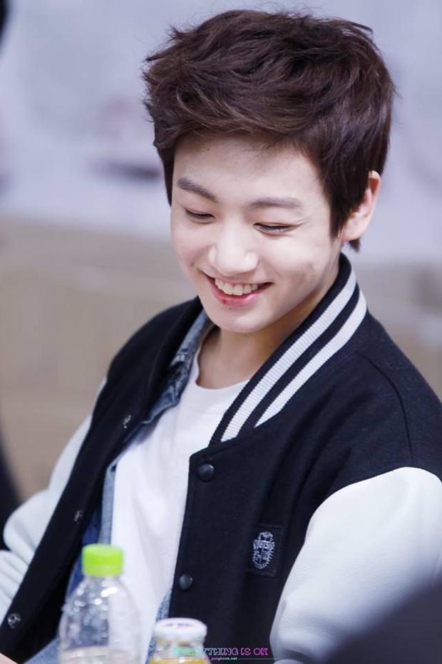 Tuổi 24 của Jungkook (BTS): Là em út vàng đã giỏi toàn diện còn đẹp trai, đón sinh nhật bằng No.1 Billboard Hot 100 siêu to khổng lồ! - Ảnh 2.