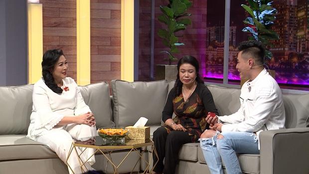 Lê Dương Bảo Lâm chơi lớn, tặng mẹ nhẫn kim cương trên sóng truyền hình - Ảnh 8.