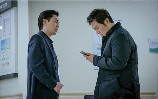 NSX tự spoil cực mạnh tập 15 Tầng Lớp Itaewon: Park Sae Ro Yi bê bết máu, may quá anh được cấp cứu rồi! - Ảnh 3.