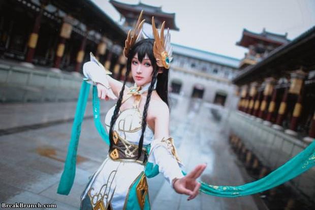 LMHT: Ngắm nhìn vẻ đẹp thoát tục tựa tiên nữ của cosplayer Trung Quốc trong bộ ảnh Irelia Thánh Kiếm - Ảnh 5.