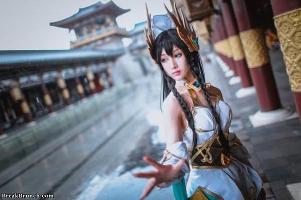 LMHT: Ngắm nhìn vẻ đẹp thoát tục tựa tiên nữ của cosplayer Trung Quốc trong bộ ảnh Irelia Thánh Kiếm - Ảnh 9.