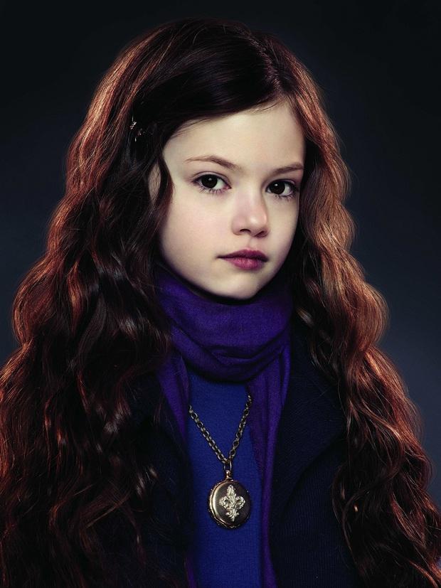 Dàn thiên thần Hollywood có khuôn mặt đẹp vô thực: Con gái Bella - Edward và cô bé xinh nhất thế giới dậy thì ra sao? - Ảnh 10.