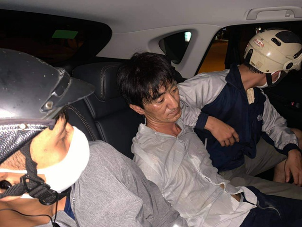 Đang nhận 1 kg ma túy đá, 2 đối tượng bị công an bắt giữ - Ảnh 1.