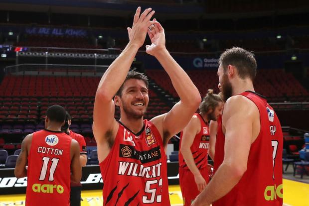 Vì Covid-19, loạt chung kết bóng rổ nhà nghề nước Úc phải tạm hoãn, BTC quyết định luôn ngôi vô địch - Ảnh 3.