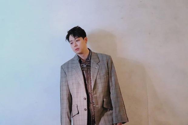 """Hậu fanmeeting, Park Yoochun tiếp tục bán photobook với giá """"cắt cổ"""" khiến Knet bức xúc - Ảnh 2."""