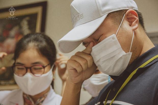 Giọt nước mắt của người đàn ông khi chứng kiến vợ mang thai 37 tuần bỗng phát hiện ung thư máu - Ảnh 3.