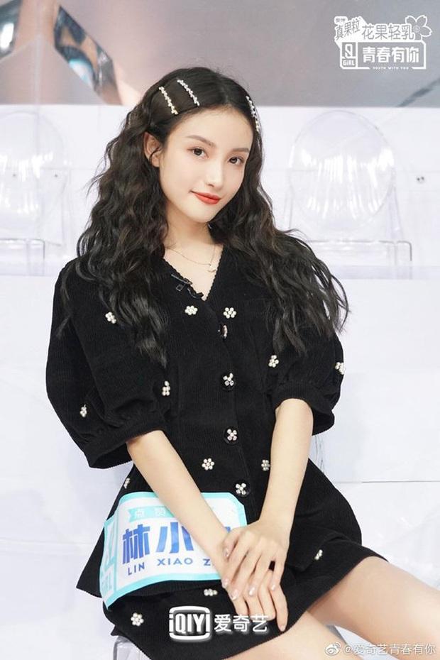 Hot girl Weibo một thời khiến Lisa phấn khích khi đột nhiên hóa... Thủy thủ mặt trăng trên sân khấu - Ảnh 5.