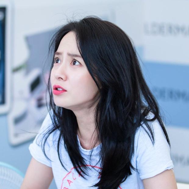 Cứ tưởng sút cân xuống sắc, ai dè loạt hình khoe hậu trường mới của mợ ngố Song Ji Hyo lại gây bão vì bùng nổ visual - Ảnh 8.