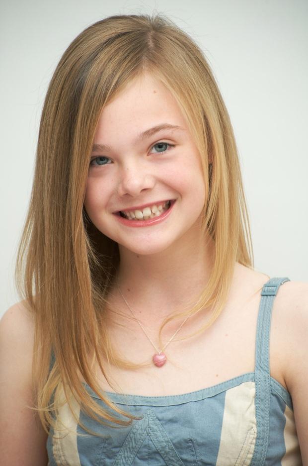 Dàn thiên thần Hollywood có khuôn mặt đẹp vô thực: Con gái Bella - Edward và cô bé xinh nhất thế giới dậy thì ra sao? - Ảnh 2.