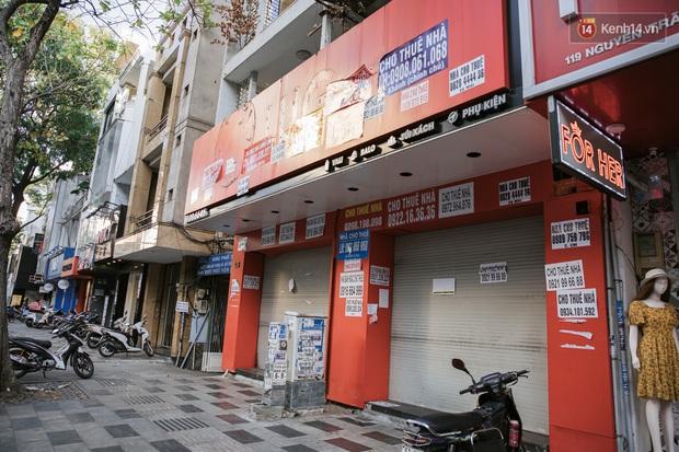 Những con đường sầm uất bậc nhất Sài Gòn nay còn đâu: Hàng loạt quán xá treo biển đóng cửa, hưởng ứng lời kêu gọi chống dịch Covid-19 - Ảnh 7.