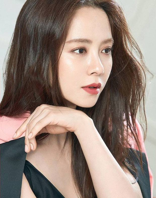 Cứ tưởng sút cân xuống sắc, ai dè loạt hình khoe hậu trường mới của mợ ngố Song Ji Hyo lại gây bão vì bùng nổ visual - Ảnh 5.