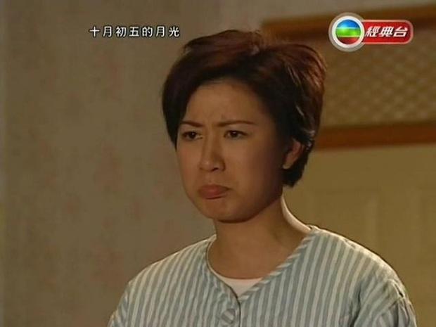 11 vai diễn làm nên tên tuổi Nhất Tỉ TVB Xa Thi Mạn: Trùm tắc kè hoa là chị, 4 vai một phim còn trị được huống gì tiểu tam đam mĩ - Ảnh 1.
