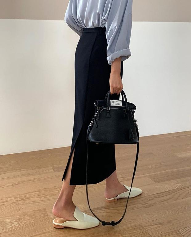 Tạm quên giày nâu đen đi, muôn kiểu giày trắng mới thực sự đắc sủng đợt này vì giúp mọi set đồ vươn lên đẳng cấp mới - Ảnh 11.