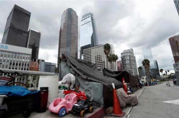 Covid-19: Mỹ phong tỏa bang California, hơn 100.000 người vô gia cư gặp khó  - Ảnh 1.
