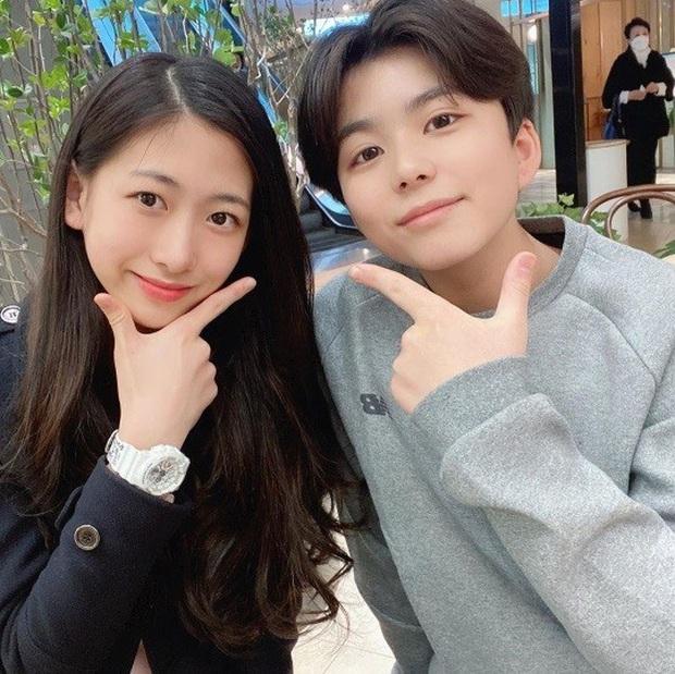 """Cuộc hội ngộ gây sốt của bộ đôi thiên thần nhí đồng niên Mason và Park Min Ha khiến dân tình phải thốt lên """"Ôi chúng ta đã già rồi!"""" - Ảnh 3."""
