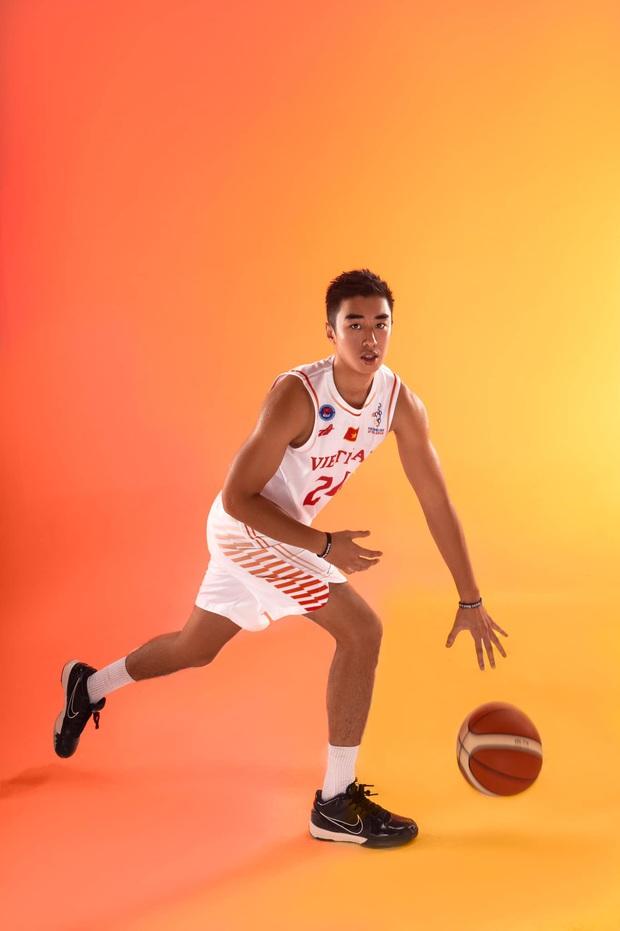 Nam thần bóng rổ Việt Nam phải thanh minh giữa đêm khi bị hiểu nhầm là bad boy, cũng chỉ vì hình tượng trai bóng rổ ngọt nước - Ảnh 1.