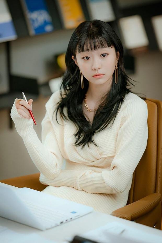Review Tầng Lớp Itaewon: Chuyện nhiệt huyết tuổi trẻ lẽ ra còn hay ho hơn thế, phim mê bẻ lái bẻ luôn cả Park Seo Joon - Ảnh 13.