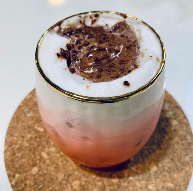 """Tìm ra """"anh em ruột"""" của cafe Dalgona từ Hàn Quốc đang hot trên MXH gần đây, nhưng lại có nguyên liệu chính là… sữa bột trẻ em - Ảnh 5."""
