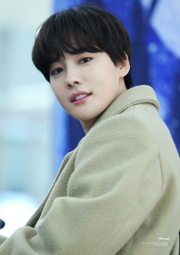 Bức ảnh sân bay bí ẩn khiến fan Kpop lú cực độ: Idol cực phẩm che mặt, fan 8 sao Hàn cả idol, diễn viên nam nữ đều lao vào nhận idol - Ảnh 13.
