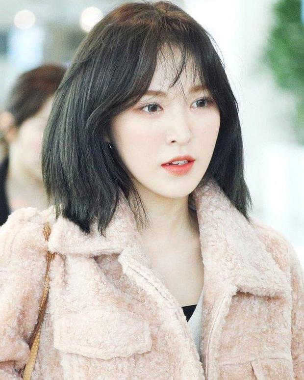 Bức ảnh sân bay bí ẩn khiến fan Kpop lú cực độ: Idol cực phẩm che mặt, fan 8 sao Hàn cả idol, diễn viên nam nữ đều lao vào nhận idol - Ảnh 8.