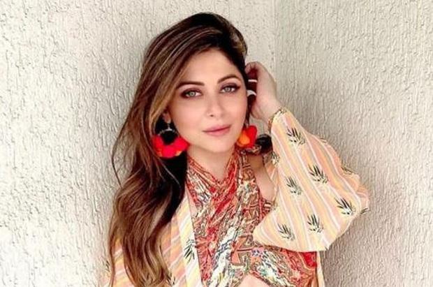 Minh tinh Bollywood nhiễm COVID-19 nhưng không khai báo, tham gia 3 bữa tiệc xa xỉ tại khách sạn 5 sao với 400 người - Ảnh 2.