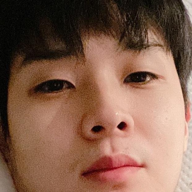 Choi Woo Sik khóc sướt mướt vì thương Park Sae Ro Yi ở Tầng Lớp Itaewon, fan chơi lầy kêu vì hụt cameo nên vậy! - Ảnh 1.