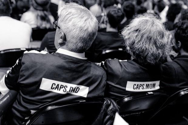 LMHT: Ít ai biết được, đằng sau thành công của Caps chính là hình bóng một người cha vĩ đại - Ảnh 4.