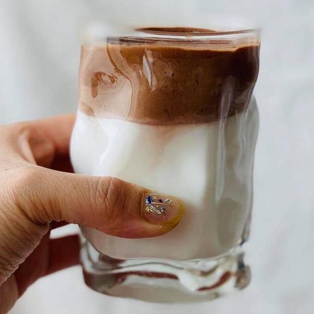 """Tìm ra """"anh em ruột"""" của cafe Dalgona từ Hàn Quốc đang hot trên MXH gần đây, nhưng lại có nguyên liệu chính là… sữa bột trẻ em - Ảnh 4."""