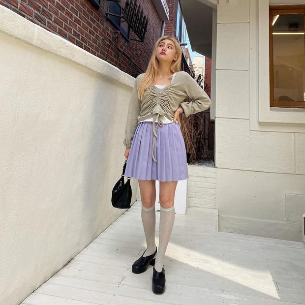 Giờ này mà chưa sắm đồ màu tím lilac thì bạn sống chơi trễ rồi, xem hội gái xinh diện yêu ơi là yêu đây này! - Ảnh 12.