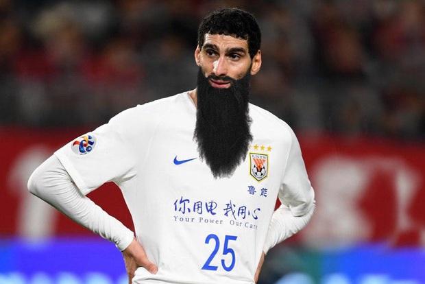 Diện mạo của các sao bóng đá khi mải cách ly mà quên cạo râu: Messi trông cực ngầu nhưng chất nhất thì phải là Ronaldo - Ảnh 7.