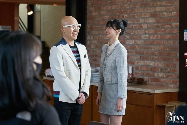 Bộ ảnh nữ phụ gây tranh cãi nhất Itaewon Class ở tập cuối: Visual bị ém bao lâu nay đã bung xoã, sống mũi như muốn đòi mạng fan - Ảnh 4.