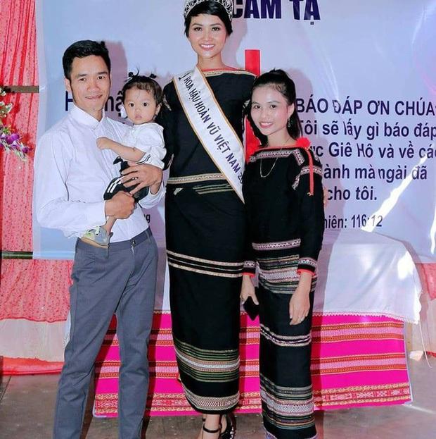 Hội chị em gái sao Việt toàn mỹ nhân: Nhà Nhã Phương gen quá trội, đại diện phía Mai Phương Thuý - Tường San như hotgirl - Ảnh 10.