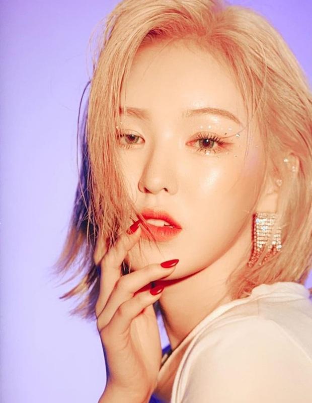 Lịch trình đầu tiên sau tai nạn gãy xương chậu của Wendy: Chưa hát nhảy cùng Red Velvet nhưng fan vẫn được nghe giọng sau 3 tháng chờ đợi - Ảnh 2.