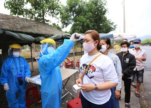 Đà Nẵng cách ly 142 người tiếp xúc gần với nữ nhân viên quán rượu nhiễm Covid-19 trở về từ Bangkok - Ảnh 3.