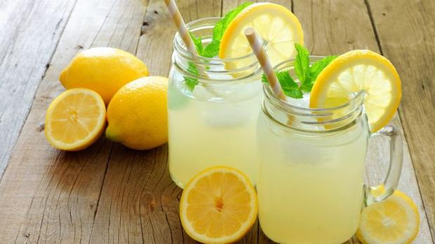 """Vào nhà hàng Mỹ muốn order nước chanh nhưng lại quen miệng gọi """"lemon juice"""", khách Việt khiến người phục vụ bối rối vì lý do này đây! - Ảnh 1."""