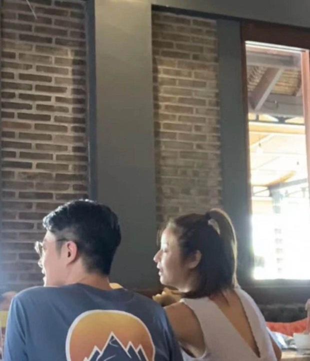 4 năm sau siêu đám cưới, Lâm Tâm Như - Hoắc Kiến Hoa mới đưa con gái trở lại Bali: Thái độ 2 vợ chồng gây chú ý! - Ảnh 2.