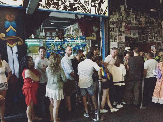 Covid-19: Tụ tập bãi biển, tiệc tùng bất chấp, nhiều du khách dính virus ở Úc - Ảnh 2.