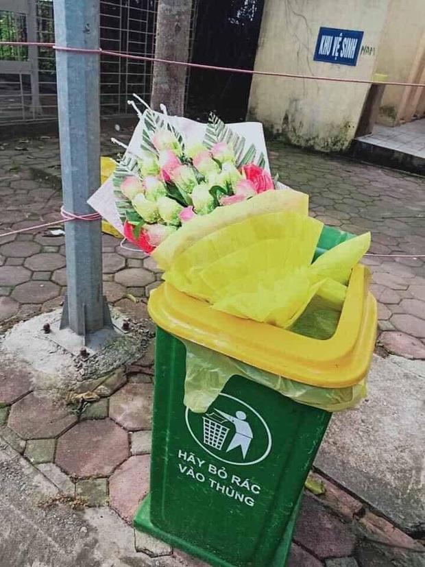 Nam thanh niên ném hoa bác sĩ tặng vào thùng rác ngay sau khi rời khỏi khu cách ly đã gọi điện xin lỗi - Ảnh 2.