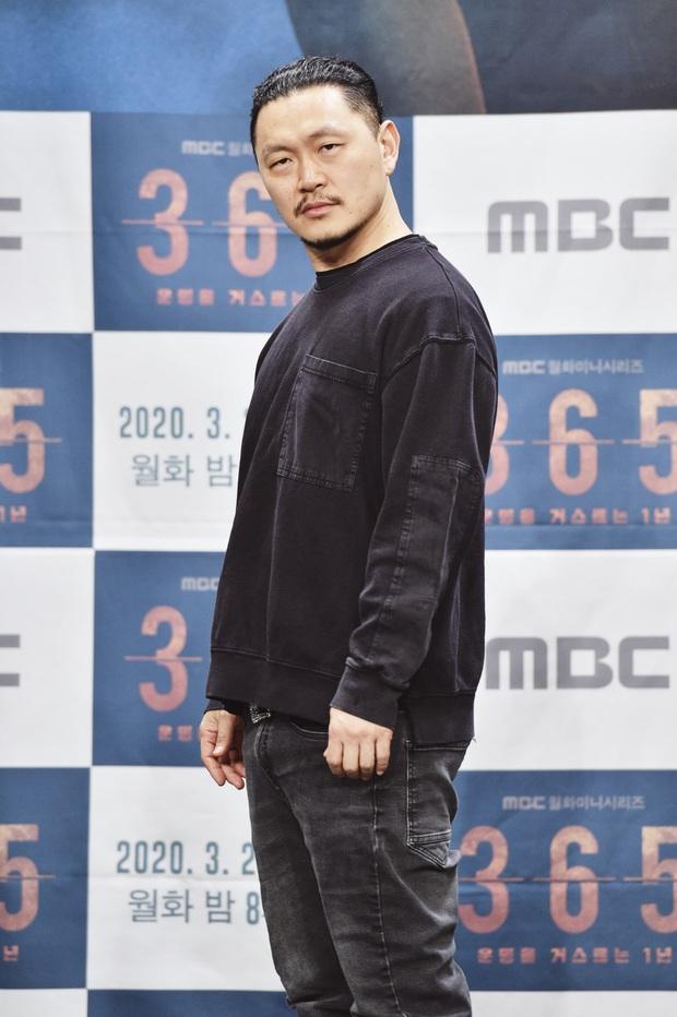 Trùm phản diện nổi như cồn ở Tổng Thống 60 Ngày nên tình chú cháu với Nam Ji Hyun, NSX hé lộ phim rất sốc khán giả nhớ coi chừng! - Ảnh 7.