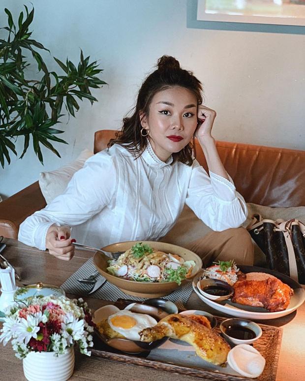 Hoàng Thùy Linh và Ngô Thanh Vân đều chọn kiểu tóc hack tuổi đơn giản mà xinh ai cũng có thể học theo - Ảnh 4.