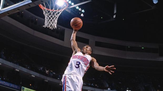 Wilt Chamberlain, LeBron James và top 10 màn chào sân ấn tượng nhất lịch sử NBA - Ảnh 4.