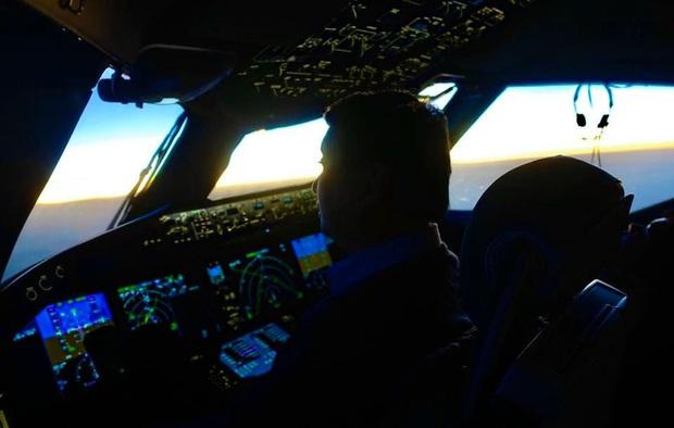 Cơ trưởng chuyến bay giải cứu đến tâm dịch Nhật Bản: Chúng tôi đến đây vì họ và sẵn sàng làm tất cả để không một ai bị bỏ lại - Ảnh 1.