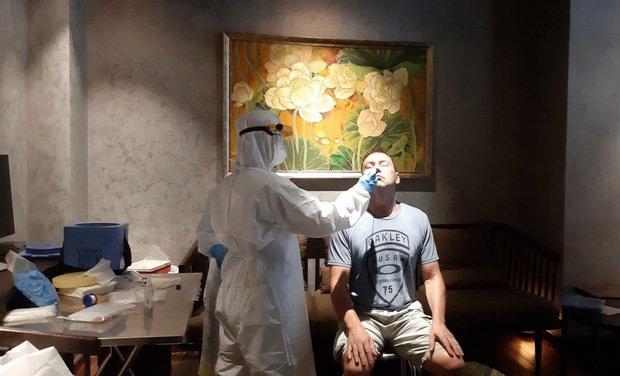 TP.HCM: Xử trí ổ dịch tại quán bar Buddha, 3 người đã nhiễm Covid-19 sau khi tiếp xúc với phi công Vietnam Airlines - Ảnh 2.