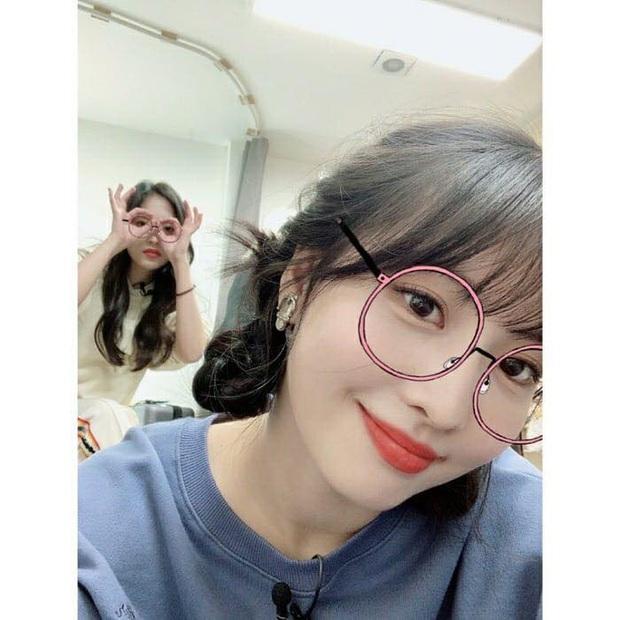 Lâu lắm mới lộ diện, mỹ nhân nước mắt kim cương Mina (TWICE) gây bão với mái tóc mới: Đúng là visual shock của Kpop! - Ảnh 14.